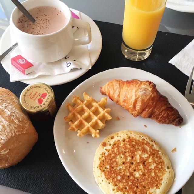 Petit djeuner  lhtel breakfast holidays hotel food family lovehellip